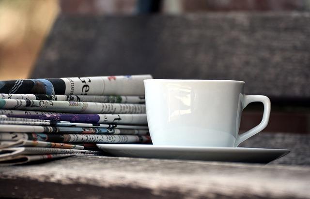 """фото ЗакС политика В Смольном будут читать """"Деловой Петербург"""", """"Коммерсант"""" и """"Новую газету"""""""