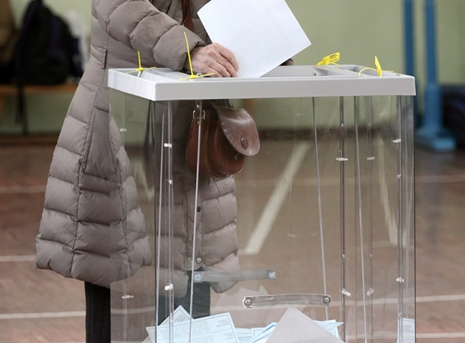 """фото ЗакС политика В Псковском областном парламенте появится второй депутат от """"Яблока"""""""