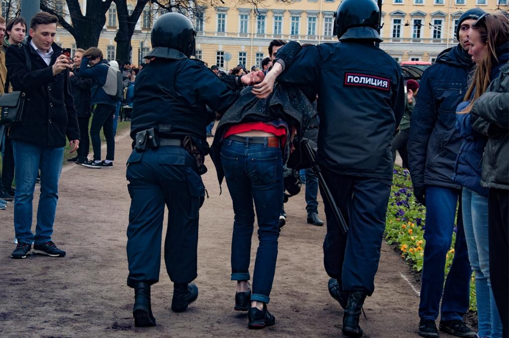 фото ЗакС политика Ходорковский призвал помочь в сборе 7 млн рублей на штраф по делу о вытоптанных газонах в Петербурге