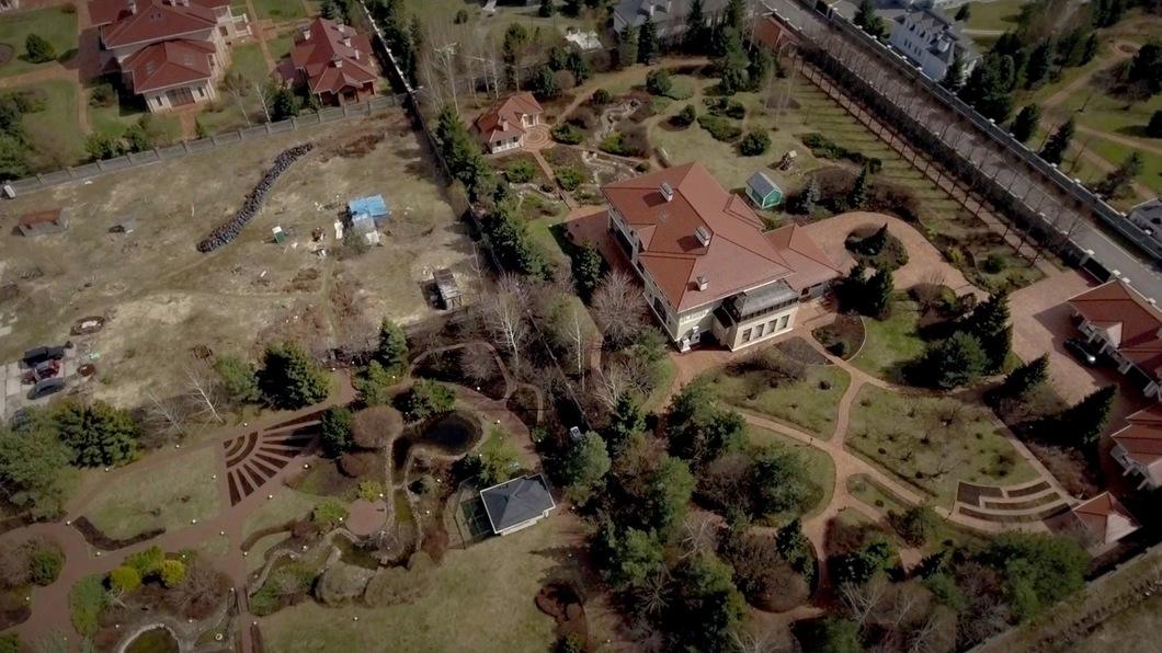 СМИ отыскали роскошное поместье родственников руководителя Росгвардии