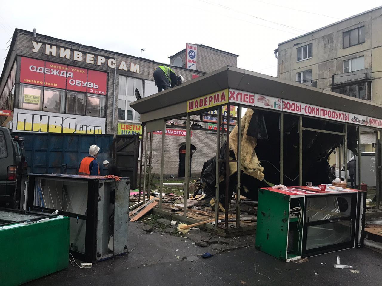 фото ЗакС политика ККИ продолжает бороться с нерадивыми арендаторами, отправляя на свалку их павильоны