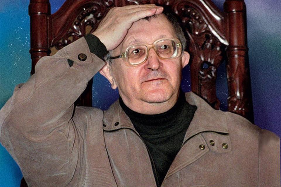фото ЗакС политика Для установки памятной доски властям Петербурга понадобилась справка о том, что Борис Стругацкий был писателем