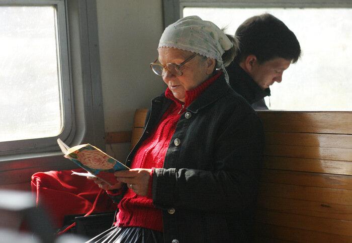 фото ЗакС политика ЗакС окончательно принял закон о бесплатных электричках для пенсионеров