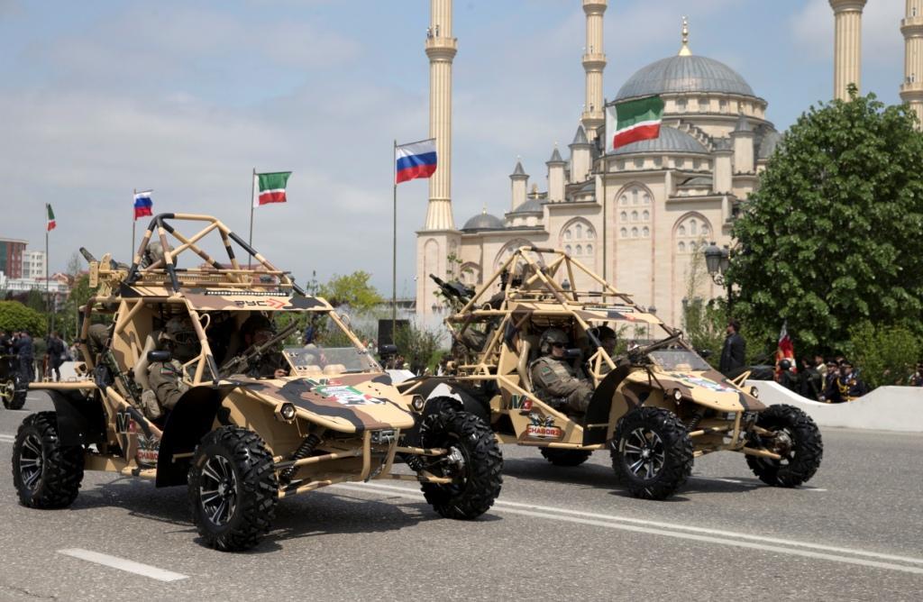 фото ЗакС политика Росгвардия потратила 18 млн рублей на чеченские вездеходы