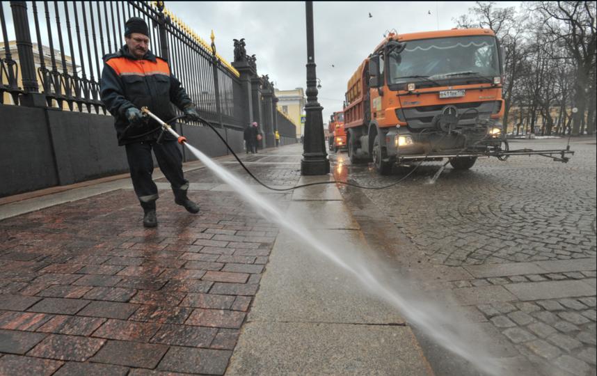фото ЗакС политика В Смольном отчитались об уборке 73% петербургских дворов