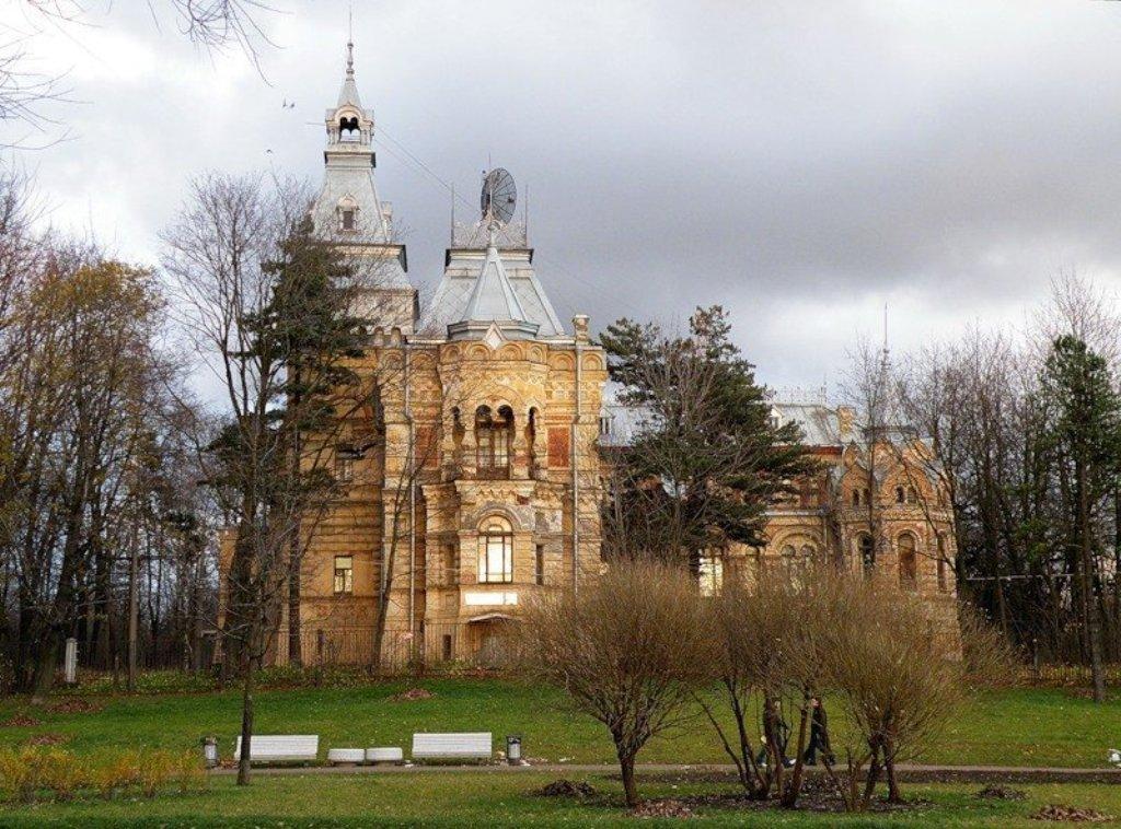 фото ЗакС политика КГИОП поручил отреставрировать Дачу Чернова до апреля 2020 года