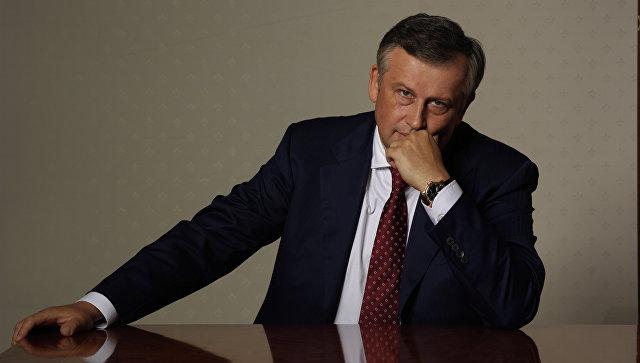 """фото ЗакС политика Дрозденко подарил """"Газели"""" многодетным семьям"""