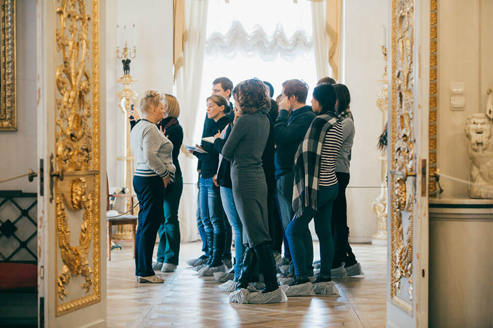 фото ЗакС политика В ЗакСе Петербурга предложили ужесточить обязанности экскурсоводов