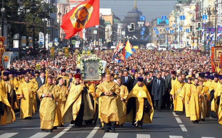 фото ЗакС политика РПЦ не намерена закрывать храмы в Москве из-за пандемии коронавируса