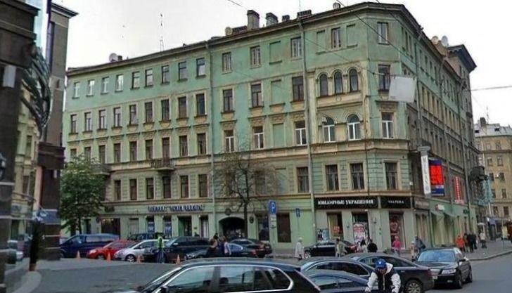"""фото ЗакС политика """"Образцовому"""" дому на Лахтинской, 1, присудили почетное звание"""