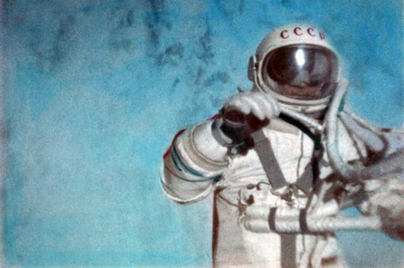 фото ЗакС политика Депутатов ЗакСа поздравили из космоса