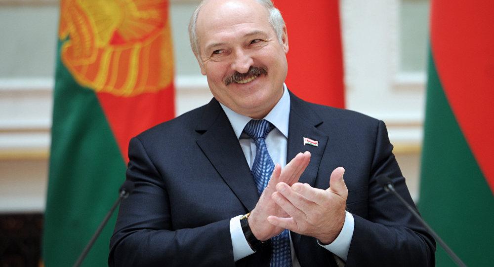фото ЗакС политика Лукашенко: Убежден, что без участия США конфликт в ДНР урегулировать не получится