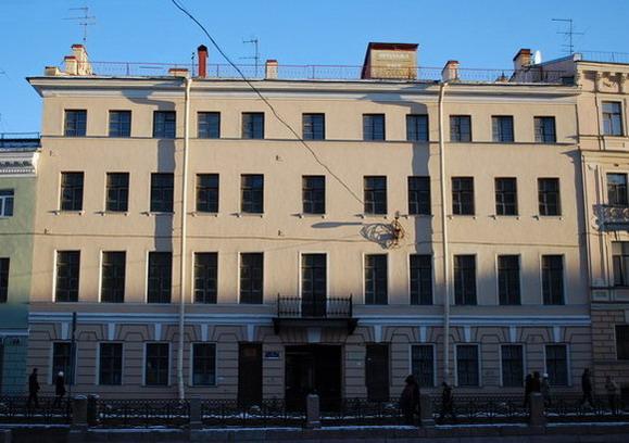 фото ЗакС политика Из заброшенных зданий рядом с Дворцовой площадью сделают гостиницу