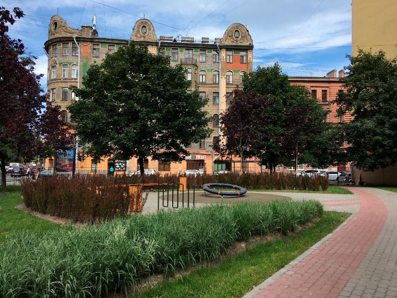 фото ЗакС политика На Мытнинской открылся обновленный по проекту петербурженки сквер