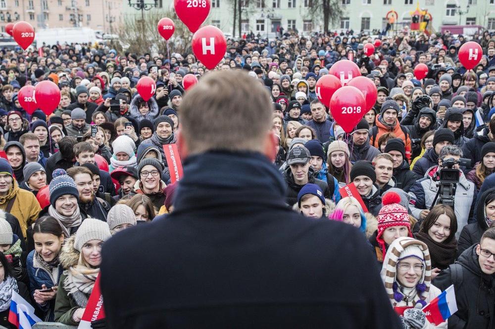 "фото ЗакС политика На мурманских ""навальнистов"" напали охранники завода ""Норникель"""