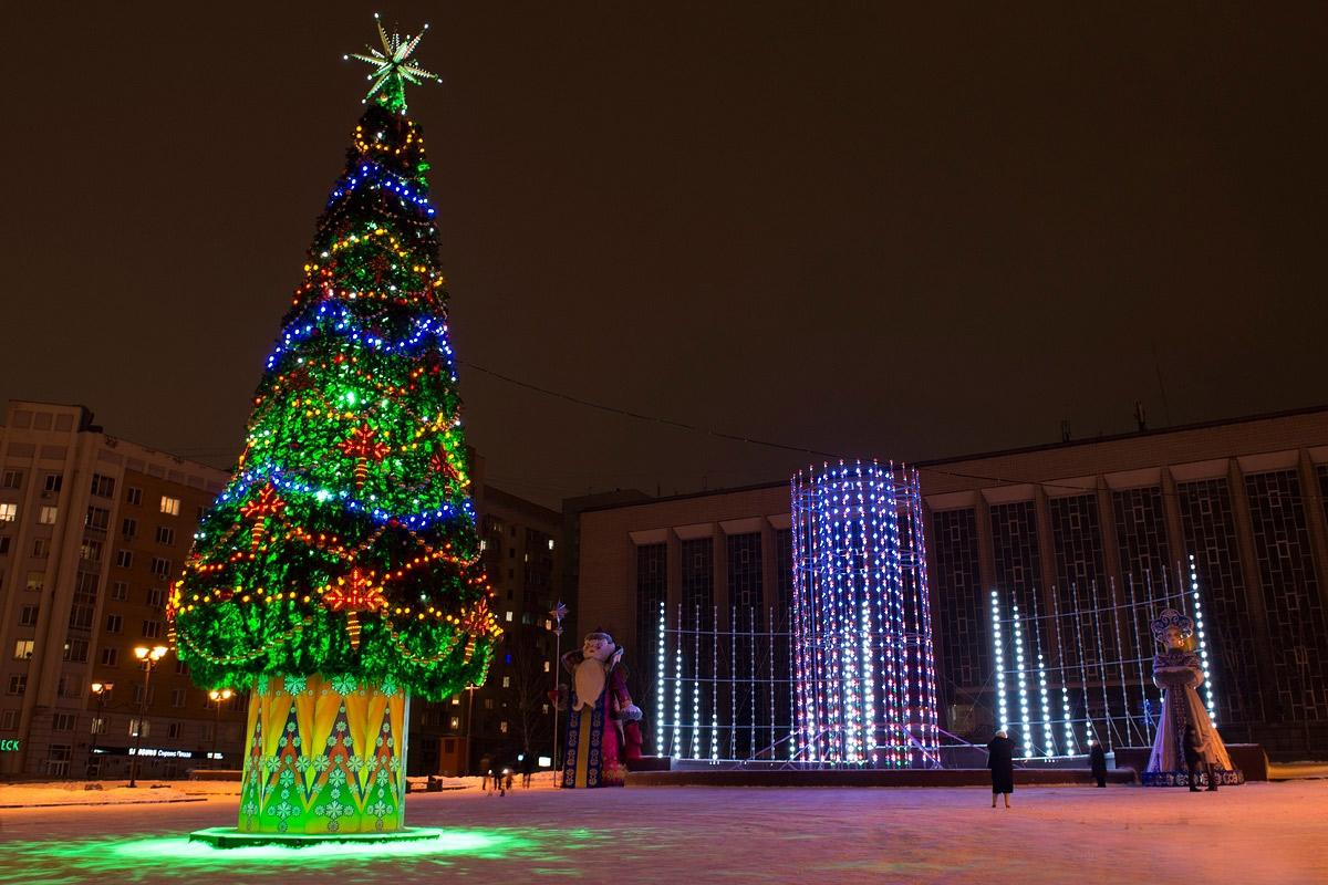 Мэрия Новосибирска решила к Новому году украсить дачи чиновников богаче, чем сам город