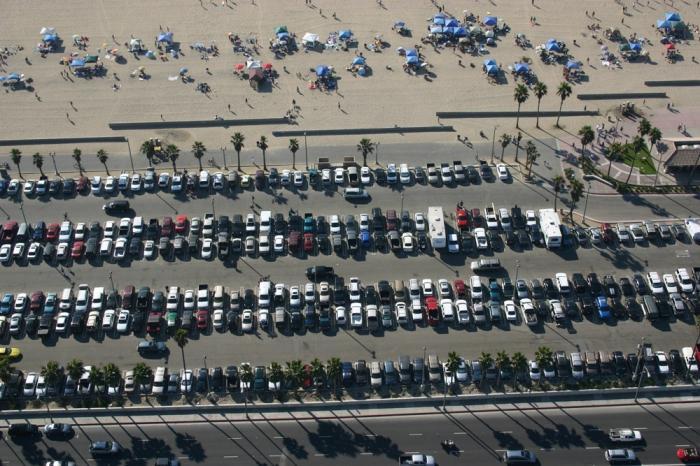 """фото ЗакС политика Перехватывающую парковку откроют у """"Проспекта Ветеранов"""" к концу 2019 года"""