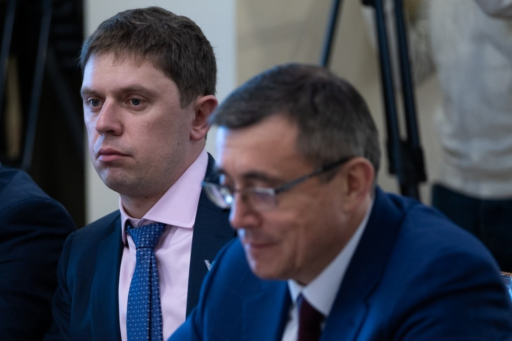 фото ЗакС политика Ввязавшегося в потасовку зампреда правительства Сахалина отправили в отставку