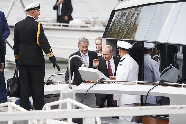 фото ЗакС политика Президент Финляндии поделился, о чем дискутировал с Путиным во время застолья