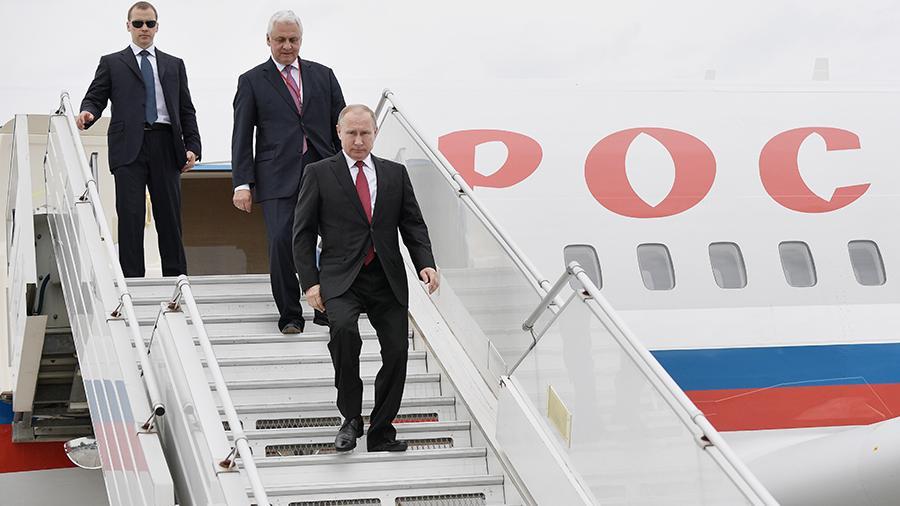 фото ЗакС политика На авиаперелеты охраняющих Путина сотрудников ФСО выделят 415 млн рублей