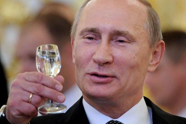 фото ЗакС политика Более половины россиян заявили о готовности проголосовать за Путина в 2024 году