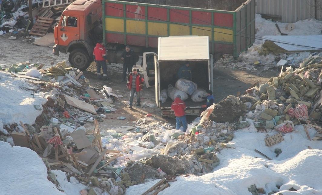 фото ЗакС политика Прокуратура обязала чиновников Московского района ликвидировать свалку на Рощинской