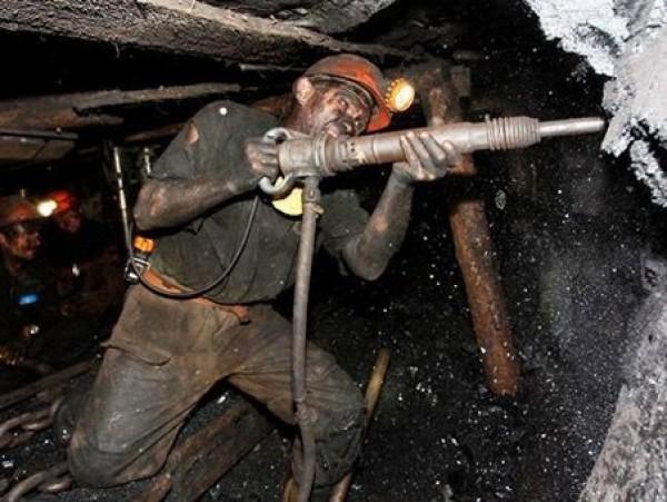 фото ЗакС политика Более 20% россиян подвергают свою жизнь опасности на работе