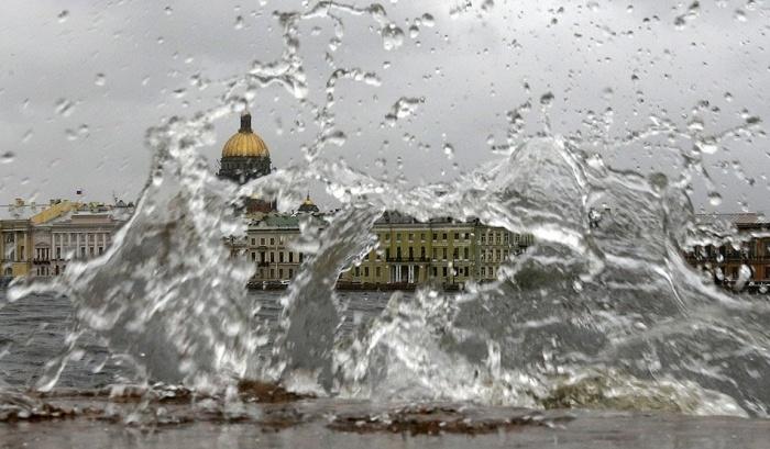 фото ЗакС политика Наводнения не будет: в Петербурге подняли затворы дамбы