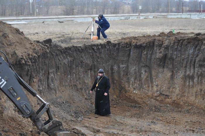 фото ЗакС политика На главный храм ВС РФ водрузили 80-тонный купол