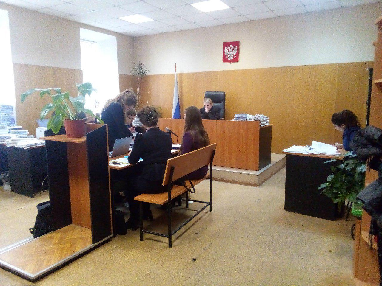 фото ЗакС политика В петербургском суде Навального обвинили в возбуждении социальной розни к единороссам