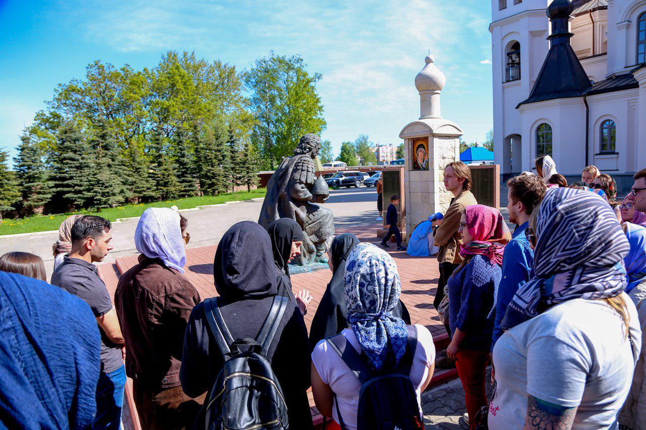 """фото ЗакС политика """"Дом молодежи Санкт-Петербурга"""" проведет экскурсии по святым и историческим местам"""