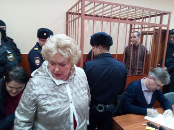"""Людмила Нарусова пришла на суд по делу """"Сети"""""""