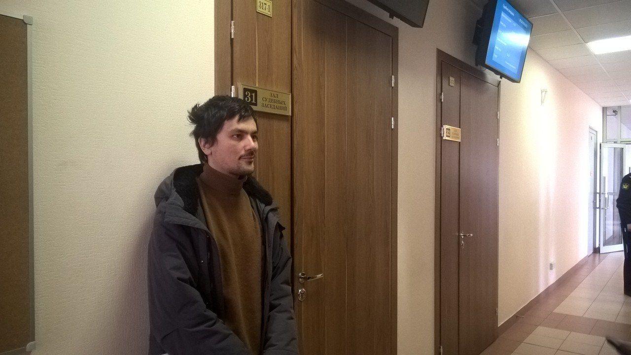 """фото ЗакС политика Активисту """"АгитРоссии"""" оставили в силе арест за акцию с """"надгробием"""" Путина"""