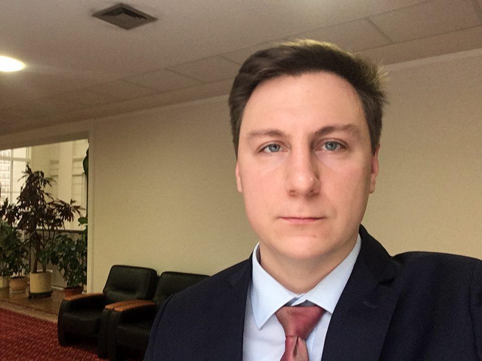 фото ЗакС политика Петербургский правозащитник Передрук сообщил об обыске у его родителей