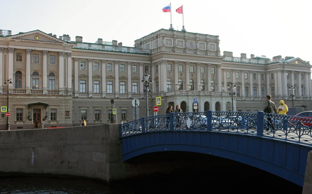 фото ЗакС политика День железнодорожника предложили утвердить в Петербурге