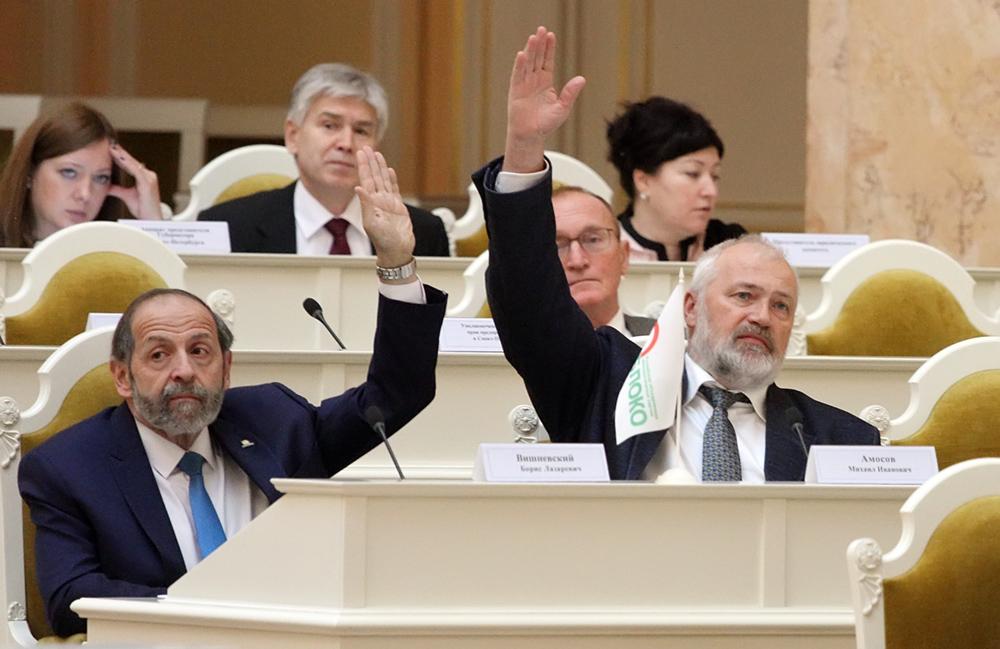 фото ЗакС политика Михаил Амосов объявил о выдвижении в губернаторы Петербурга