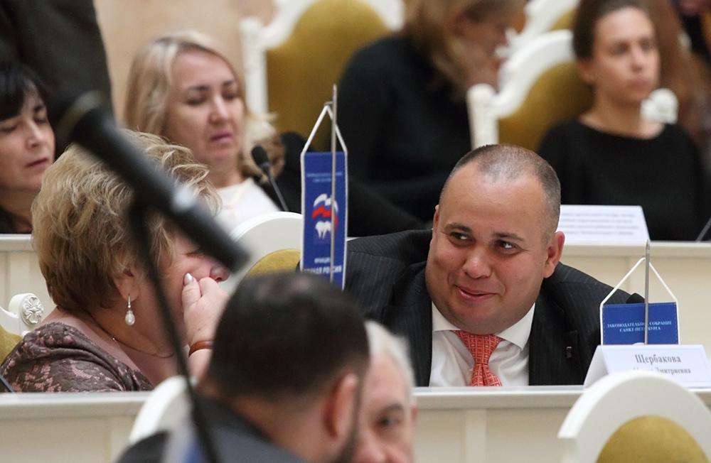 фото ЗакС политика Депутат Чебыкин решил, что Петербургу необходим День отца