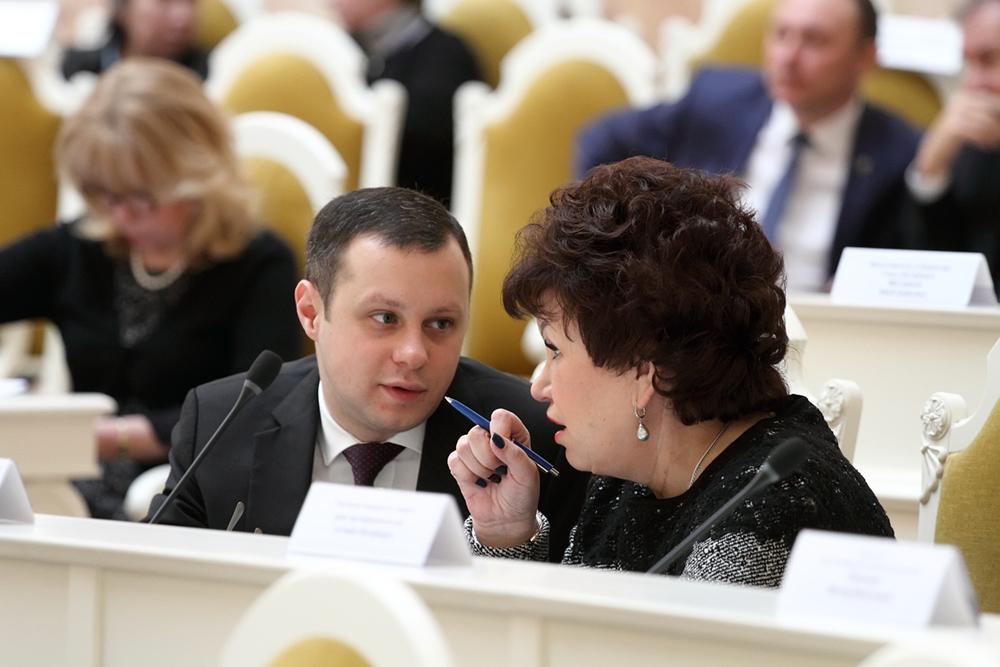 фото ЗакС политика В ЗакСе предложили лично рассказывать петербуржцам о положенных им льготах
