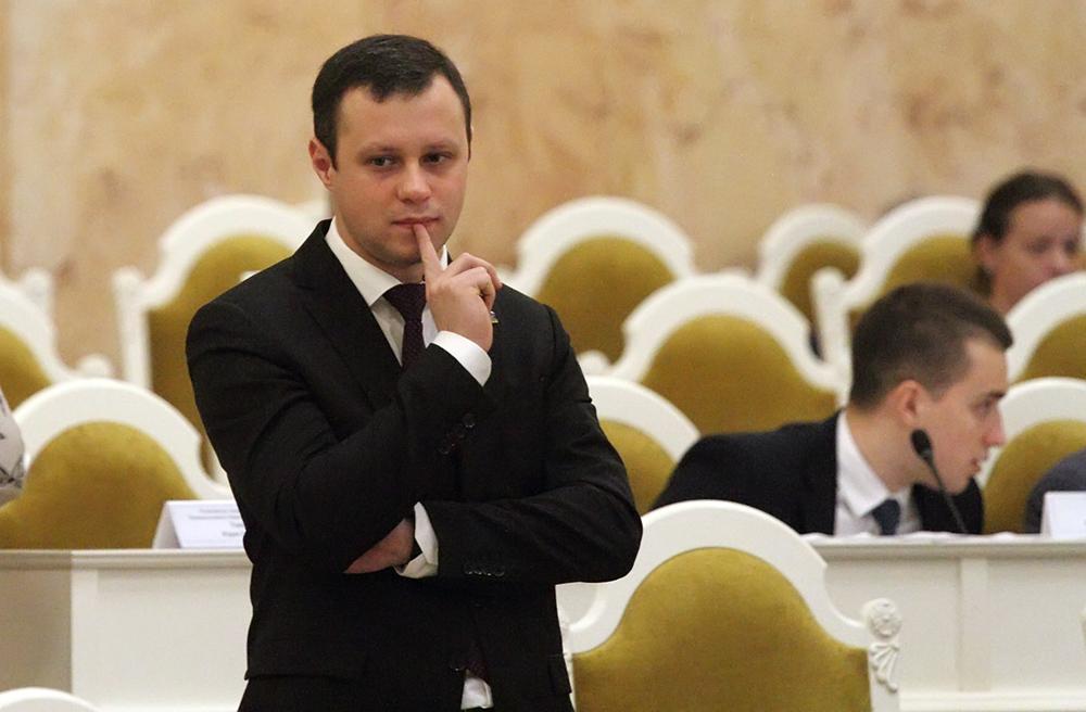 фото ЗакС политика Выпускник СПбГУ Четырбок высказался за переезд вуза в Шушары