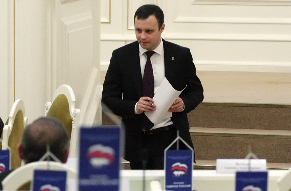 фото ЗакС политика В ЗакСе предложили оплачивать поездки родных на могилы погибших в ВОВ