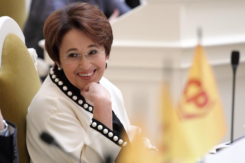 фото ЗакС политика Дмитриева: К депутатам стали больше прислушиваться