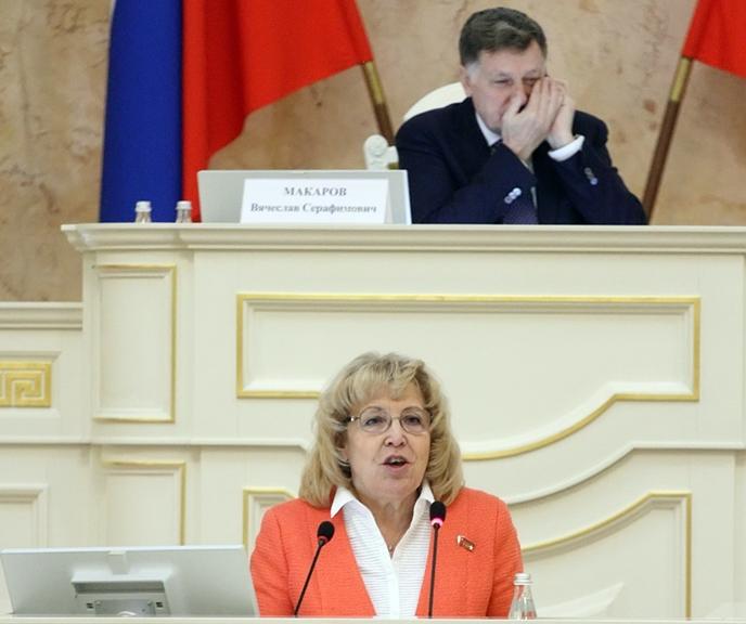 """фото ЗакС политика Ходунова рассказала о новогодних """"подарках"""" Беглова"""