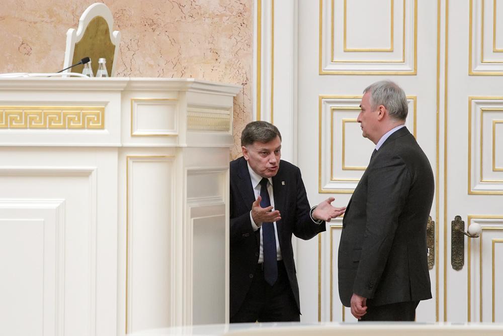 фото ЗакС политика Макаров: ЗакС рассмотрит инициативу о снижении муниципального фильтра