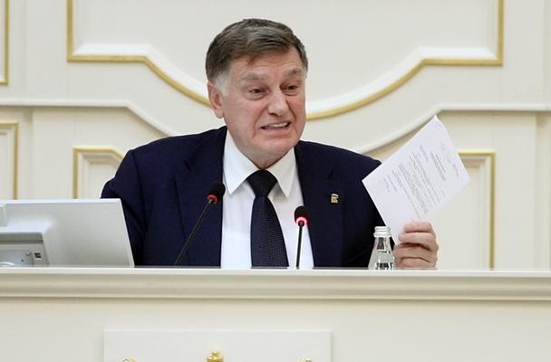 фото ЗакС политика Макаров обошел по цитируемости всех глав Заксобраний в 2019 году