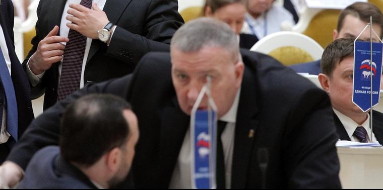 """фото ЗакС политика Главу МО """"Урицк"""" изберут в приемной Никешина"""