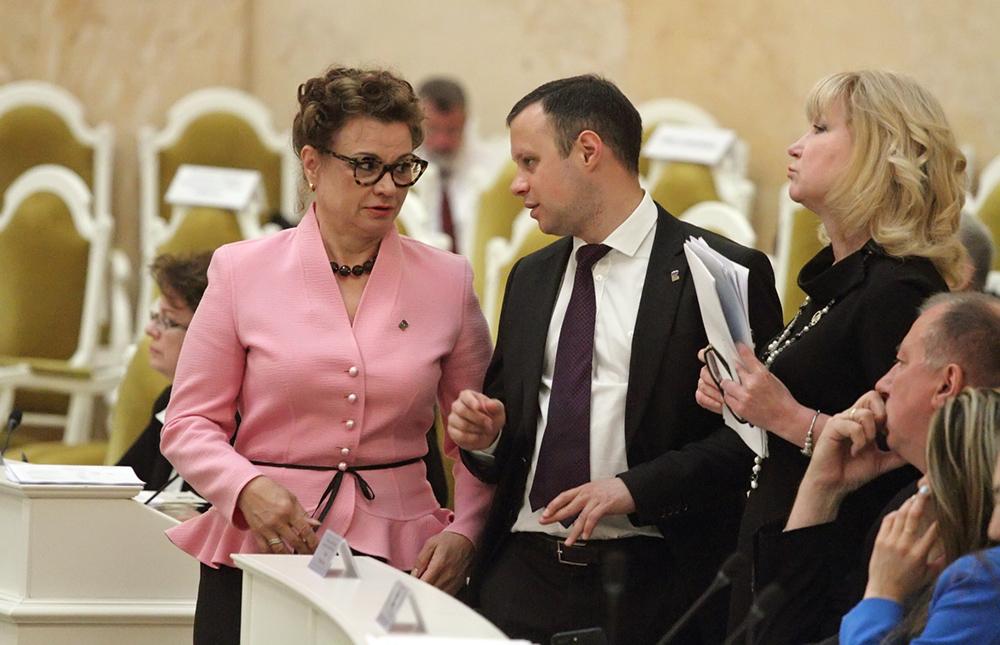 фото ЗакС политика Местные общественные объединения смогут действовать на территории всего Петербурга