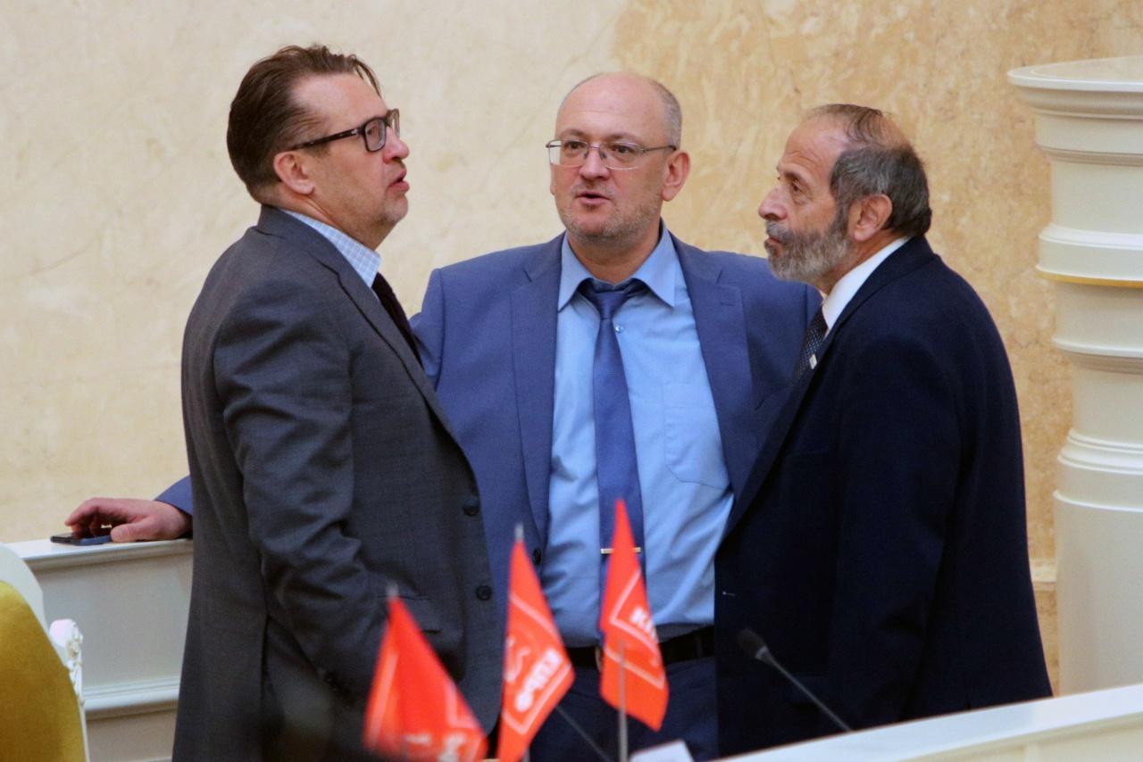 фото ЗакС политика Более 80 депутатов Петербурга подписались под «письмом трехсот»