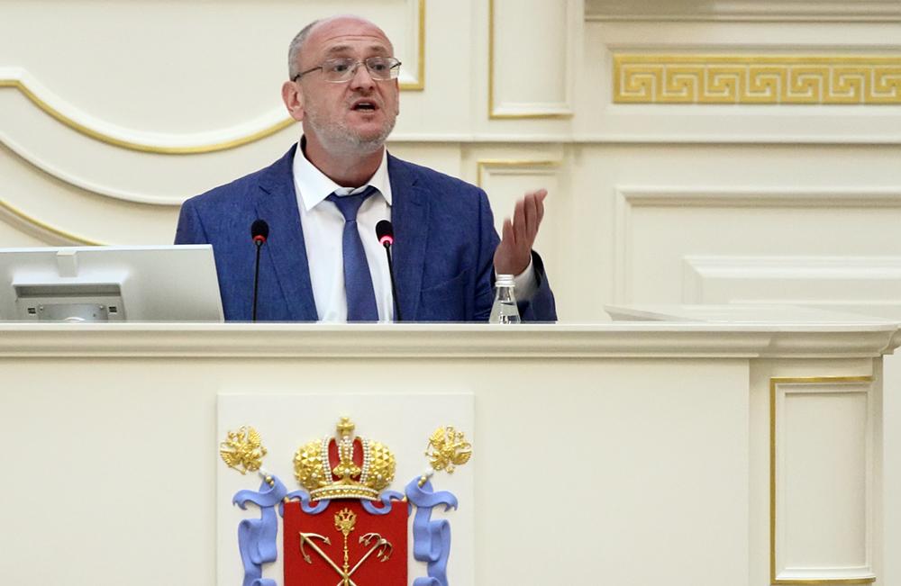 фото ЗакС политика Депутат ЗакСа Резник призвал коллег обсуждать не кальянные, а ядерные отходы