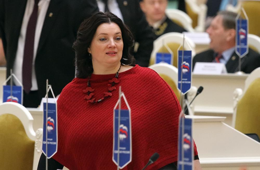 фото ЗакС политика Эсеры добиваются запрета аудиорекламы на эскалаторах