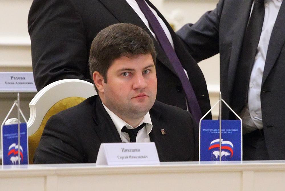 фото ЗакС политика Депутат ЗакСа Тугов уверен, что все профсоюзы входят в ФНПР